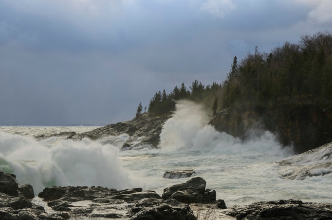 Lake-Superior-Black-Rocks-Storm-10-31-14